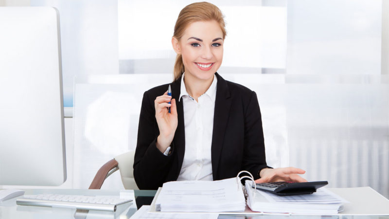 Why Should You Hire a Professional Bookkeeper For Your Company?