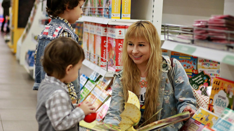3 Supermom Hacks to Make Shopping With Kids More Enjoyable