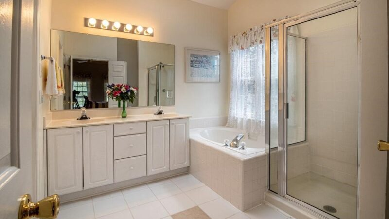 How To Create A Functional Bathroom With The Right Vanity Unit